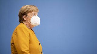 HENNING SCHACHT / POOL/EPA