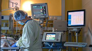 ممرض في مستشفى ألماني- صورة توضيحية