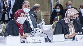 من جلسات الحوار في تونس