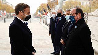 فرانسوا اولاند (راست)، رئیس جمهوری پیشین و امانوئل ماکرون (چپ)، رئیس جمهوری کنونی فرانسه