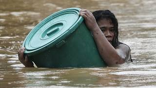 Typhoon Vamco: Major floods in Manila after latest storm hits the Philippines