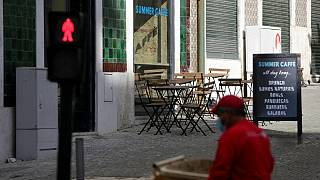 Restauração e supermercados têm de fechar portas ao fim de semana à tarde