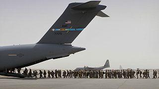 Afganistan'dan ayrılan Amerikan askerleri (arşiv)