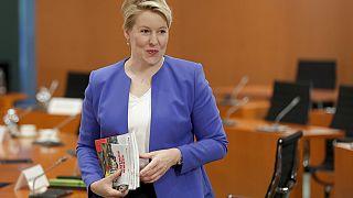 Giffey vor dem wöchentlichen Kabinettstreffen in Berlin, 8.7.2020
