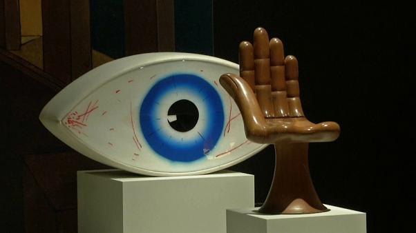 Objetos surrealistas como escape para a pandemia