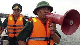 السلطات الفيتنامية تأمر إجلاء حوالي 460 ألف شخص قبل وصول إعصار فامكو إلى الساحل الأوسط للبلاد.