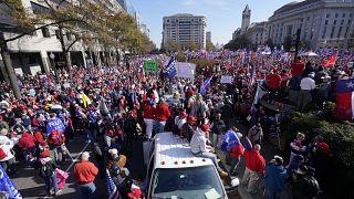 Des pro-Donald Trump dans les rues de Washington pour dénoncer des fraudes, sans preuves