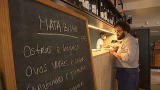 Koronavírus: korán zárnak a portugál éttermek, ezért fogy a pálinka reggelire