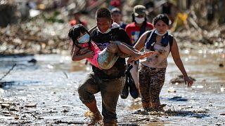 Filipinler'de Vamco Tayfunu en az 67 can aldı