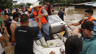 Imagen de las evacuaciones de la tormenta tropical Eta en Honduras