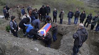 Funeral por un soldado armenio caído en los combates contra Azerbaiyán