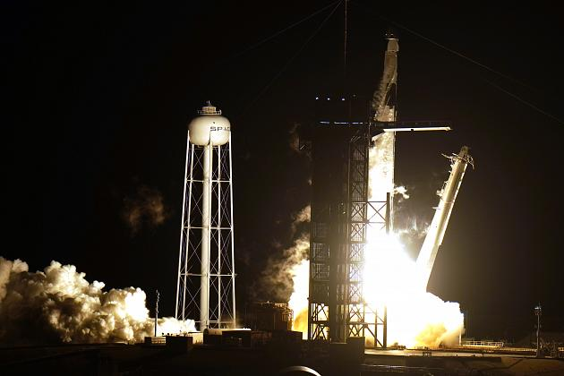 """Dayanaklı"" Dört Astronotu Yeni Uzay Uçuşu Çağına Taşıdı…"