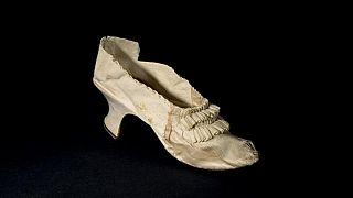 Kraliçe Marei-Antoinette'in ipek ayakkabısı