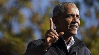 Бывший президент США Барак Обама во время ралли в поддержку Джо Байдена
