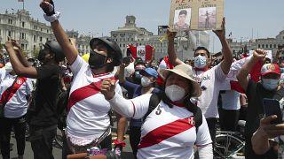 Manifestantes en Lima, Perú