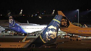 Alaska Havayolları'na ait bir yolcu uçağı inişi sırasında ayıya çarptı