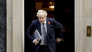 Covid, Boris Johnson torna in autoisolamento