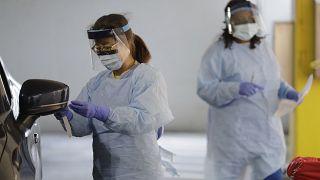 محطة اختبار لفيروس كورونا - المركز الطبي بجامعة واشنطن، سياتل.
