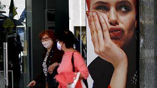Frauen mit Gesichtsmasken in München, 9.5.2020