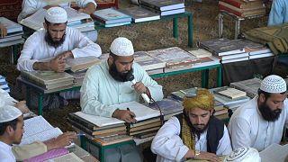 مدرسة دار العلوم حقانيا في باكستان. 2020/11/16