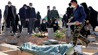 شمار قربانیان روزانه کرونا در ایران افزایش یافته است