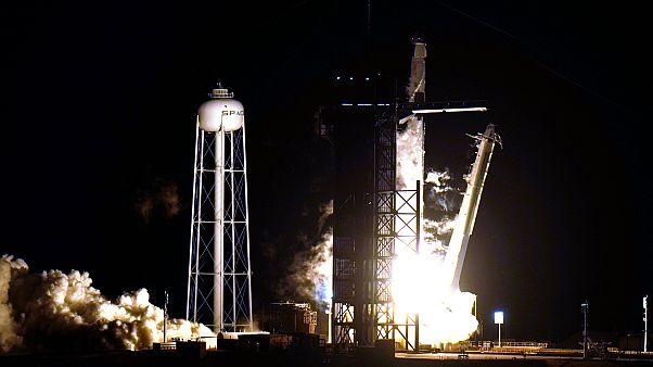 فضاپیمای اسپیسایکس با ۴ سرنشین در مسیر ایستگاه فضایی بینالمللی