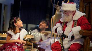 Ho, ho, ho - bitte Abstand halten, Kinder!