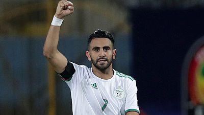 Un nul et un but exceptionnel de Mahrez envoient l'Algérie à la CAN