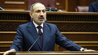 Az örmény kormányfő lemondását követelték Jerevánban