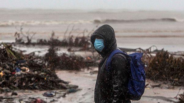"Nicaragua: Hurrikan ""Iota"" deckt Hausdächer ab"
