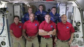 Экипаж МКС в полном составе