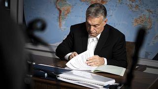 Orbán Viktor dolgozószobájában