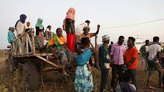 لاجئون إثيوبيون متجمعون في منطقة القضارف شرق السودان