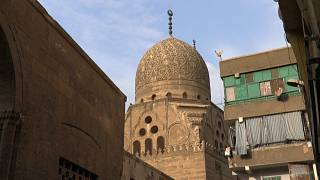 "Cairo's ""City of the Dead"" Comes Back to Life"