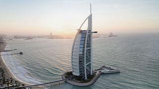 زندگی لوکس در دوبی؛ قایقهای تفریحی، هتلها گرانقیمت و غذاهای ویژه
