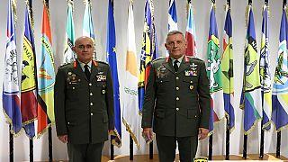 Ο  Αρχηγός  ΓΕΕΦ Αντιστράτηγος Δημόκριτος Ζερβάκης μαζί με τον Αρχηγό ΓΕΕΘΑ Στρατηγός Κωνσταντίνο Φλώρο