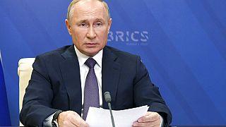 Vlagyimir Putyin orosz elnök a BRICS-országok online csúcsértékezletén