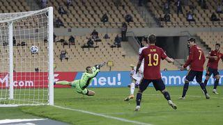 Spanischer Treffer beim Nations League Spiel Spanien - Deutschland in Sevilla (17. November 2020)