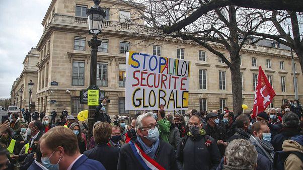 Manifestation à Paris contre la loi sur la sécurité globale