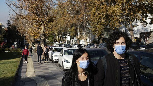 على إمتداد حديقة عامة في أنقرة، تركيا