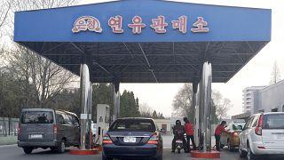 BMGK, 2017'de nükleer programını sürdüren Kuzey Kore'nin rafine petrol ve petrol ürünleri ithalatına yıllık 500 bin varil sınırlaması getirmişti