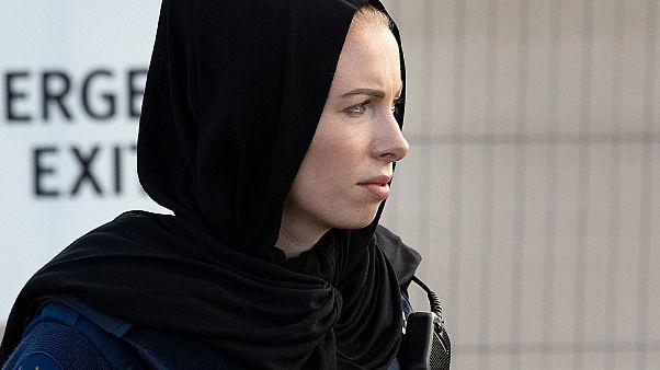 شرطية ترتدي الحجاب