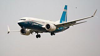 طائرة بوينغ 737 ماكس بإدارة الطيران الفيدرالية أف أي أي.