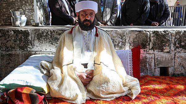 الزعيم الروحي الجديد للأيزيديين في العراق على إلياس