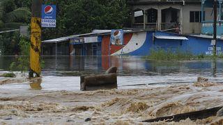 Orta Amerika'yı vuran Iota Kasırgası nedeniyle ölenlerin sayısı 40'a yaklaştı