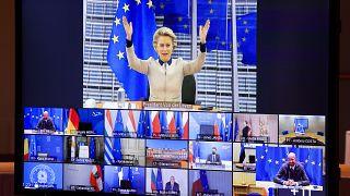 رئيسة المفوضية الأوروبية أورسولا فون دير لاين،تتحدث مع قادة الاتحاد الأوروبي خلال مؤتمر عبر الفيديو خلال قمة الاتحاد الأوروبي في مبنى المجلس الأوروبي في بروكسل ، الخميس، 19 نو