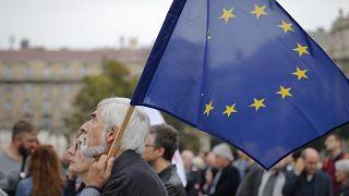 Les Hongrois sceptiques face au veto sur le budget européen