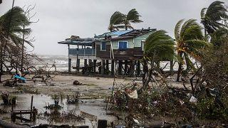"""Последствия урагана """"Йота"""" в Никарагуа"""