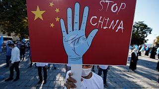 تظاهرات علیه استثمار اویغورها در چین