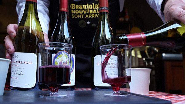 In Paris, a restaurateur serves Beaujolais Nouveau to take away